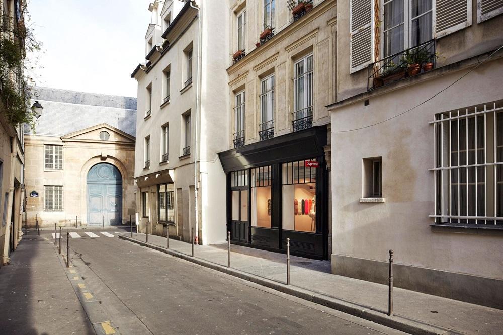 supreme-paris-store-images-1