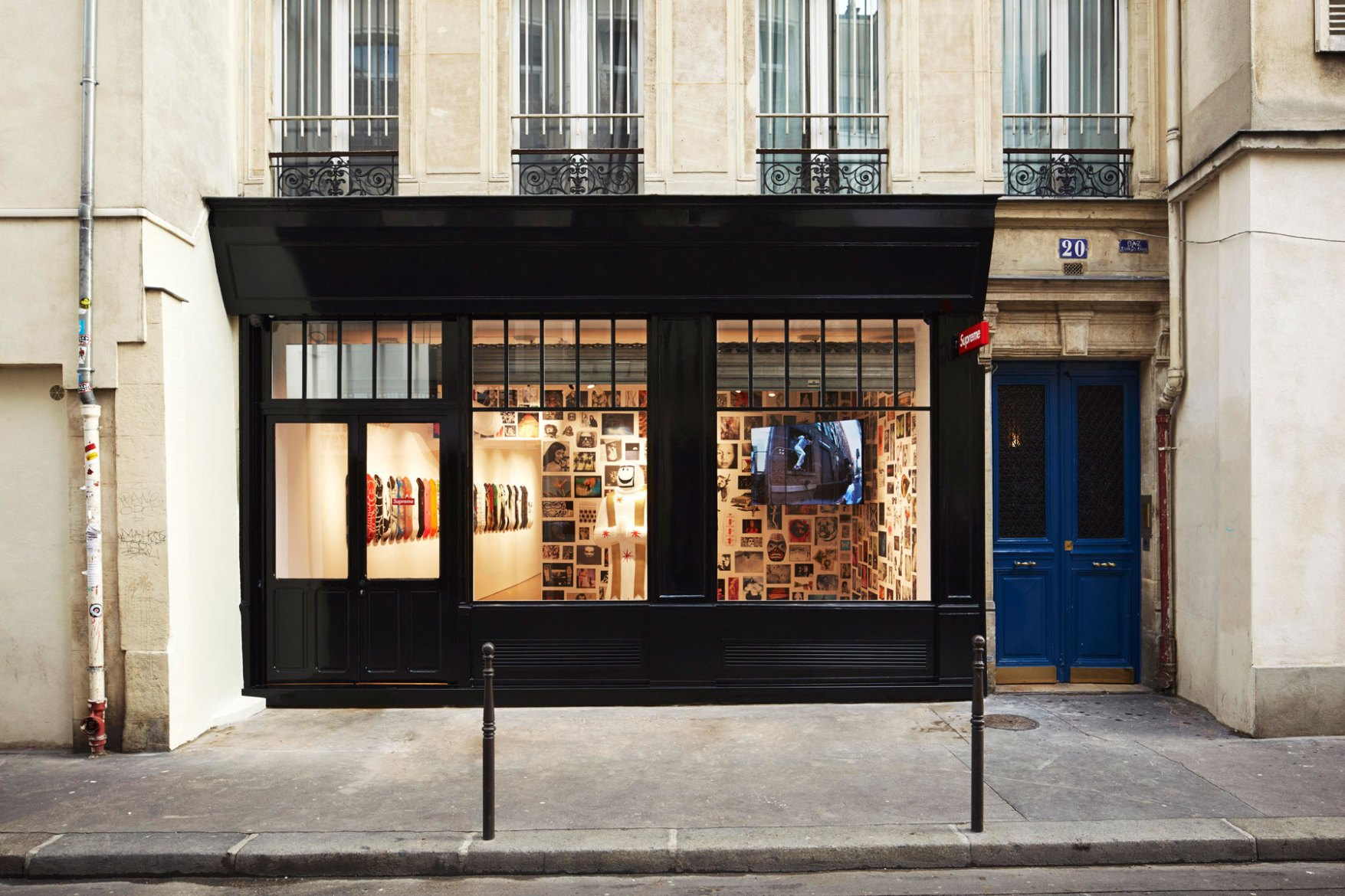 supreme-paris-store-images-2