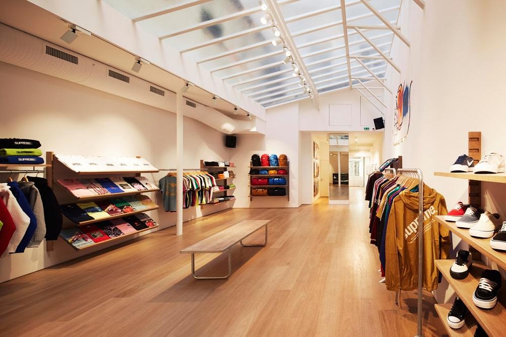 supreme-paris-store-images-5