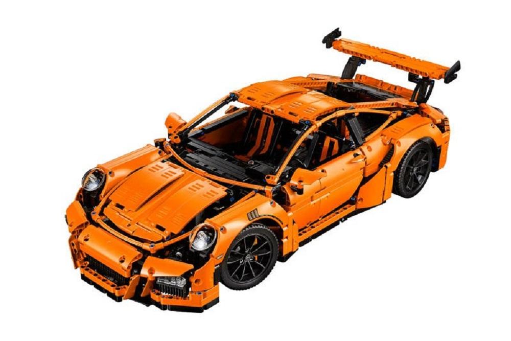 lego-porsche-911-gt3-rs-set-2
