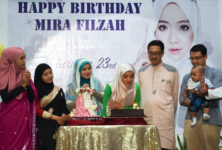 Foto: Acan Mamat Facebook Group Mira Filzah - Miracle FC [1]