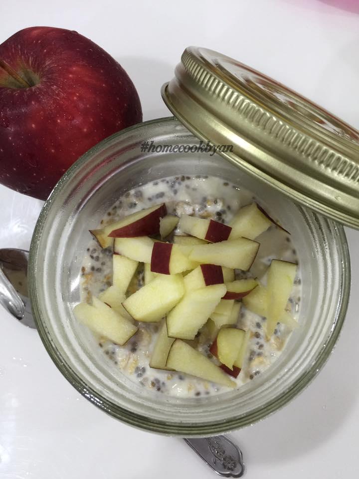 Apple-kurma (dates) overnight oats