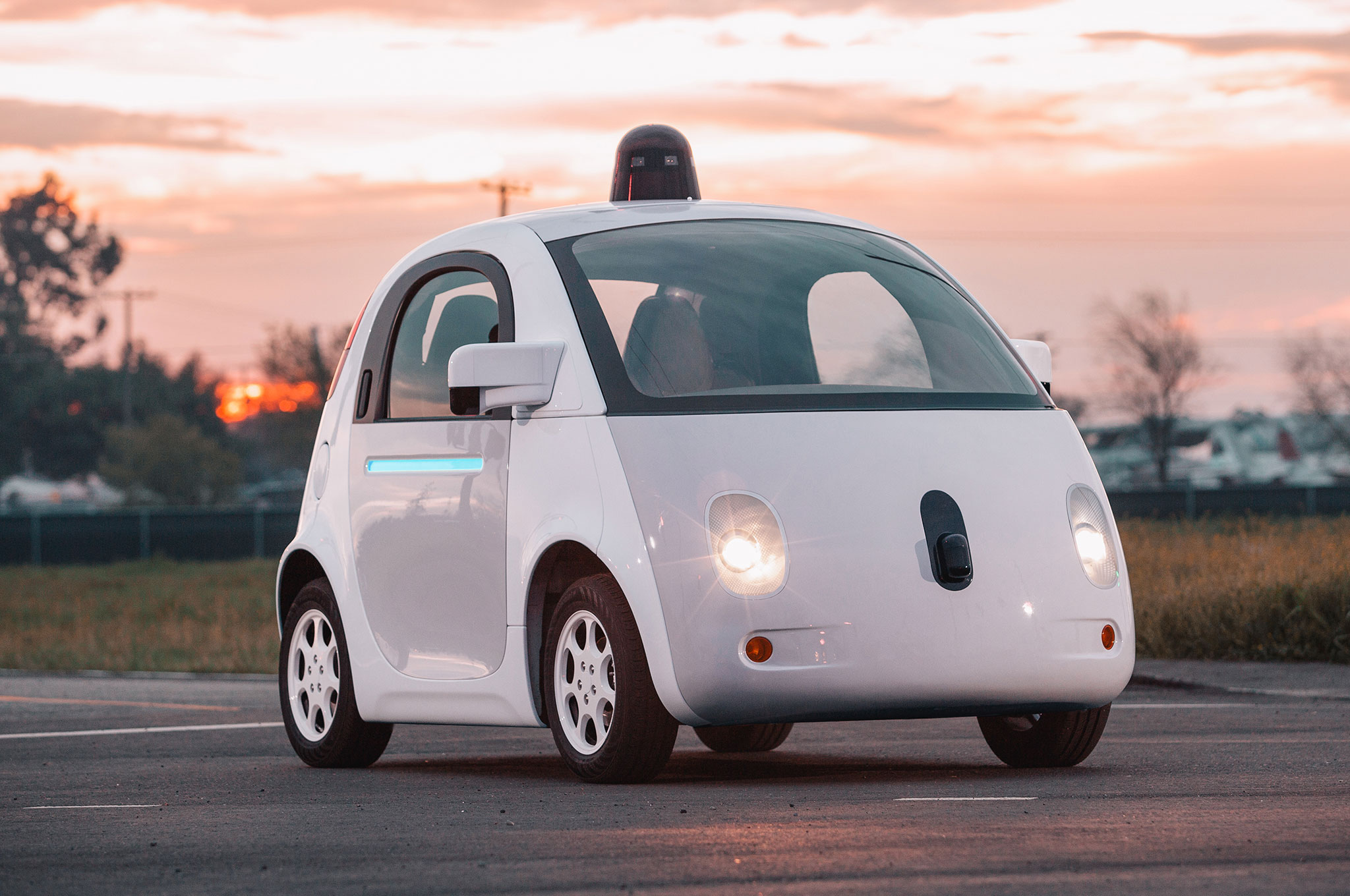 Google-self-driving-car-prototype-front-three-quarters