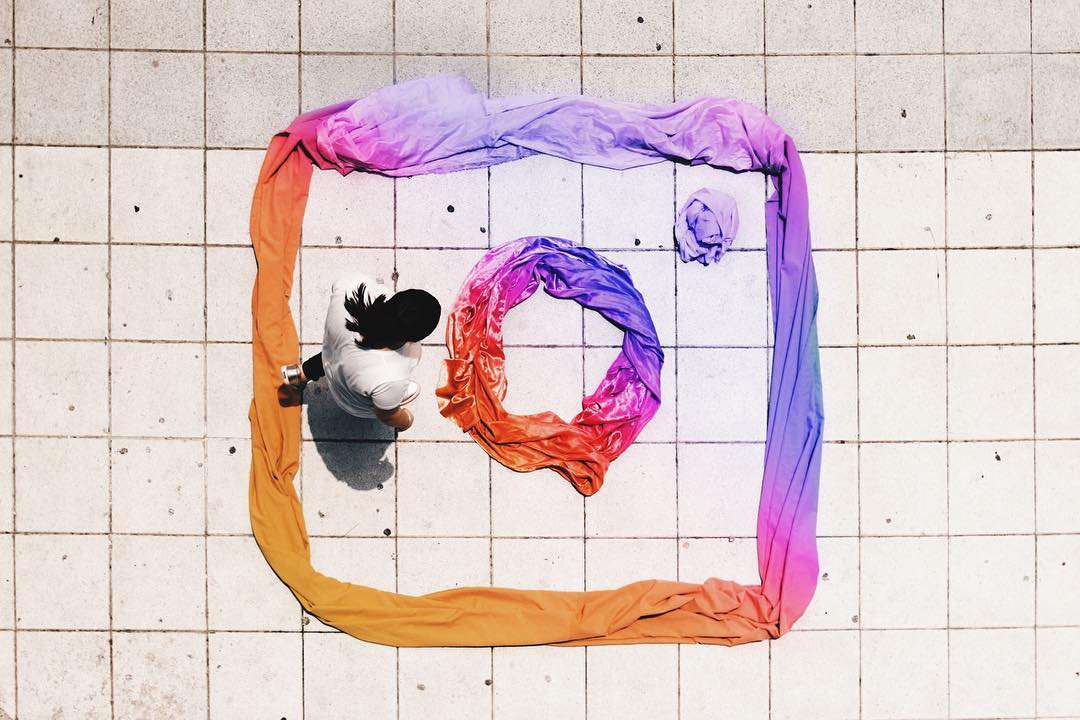 artists-recreate-new-instagram-logo-el.garrobo