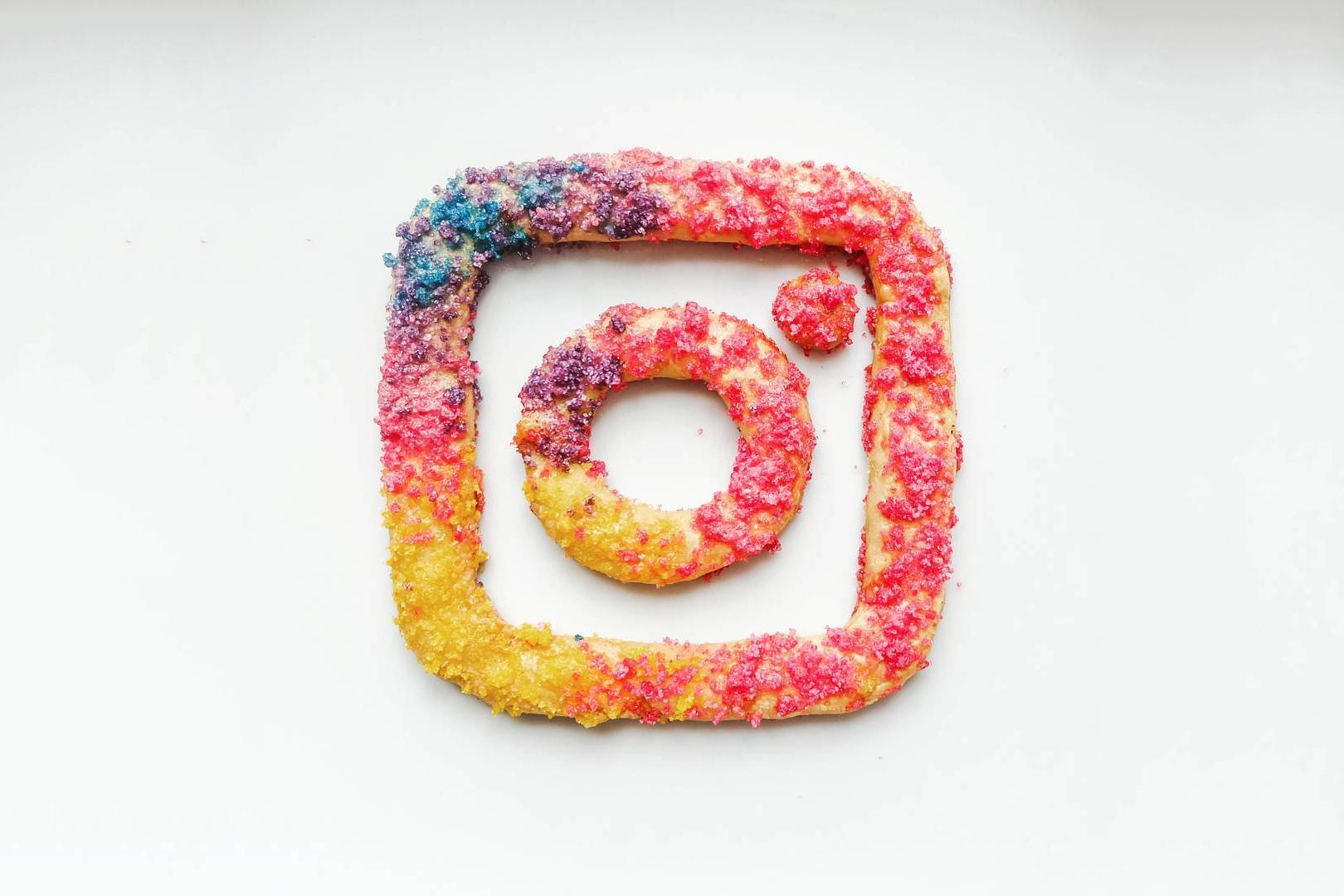 artists-recreate-new-instagram-logo-spinstamatic