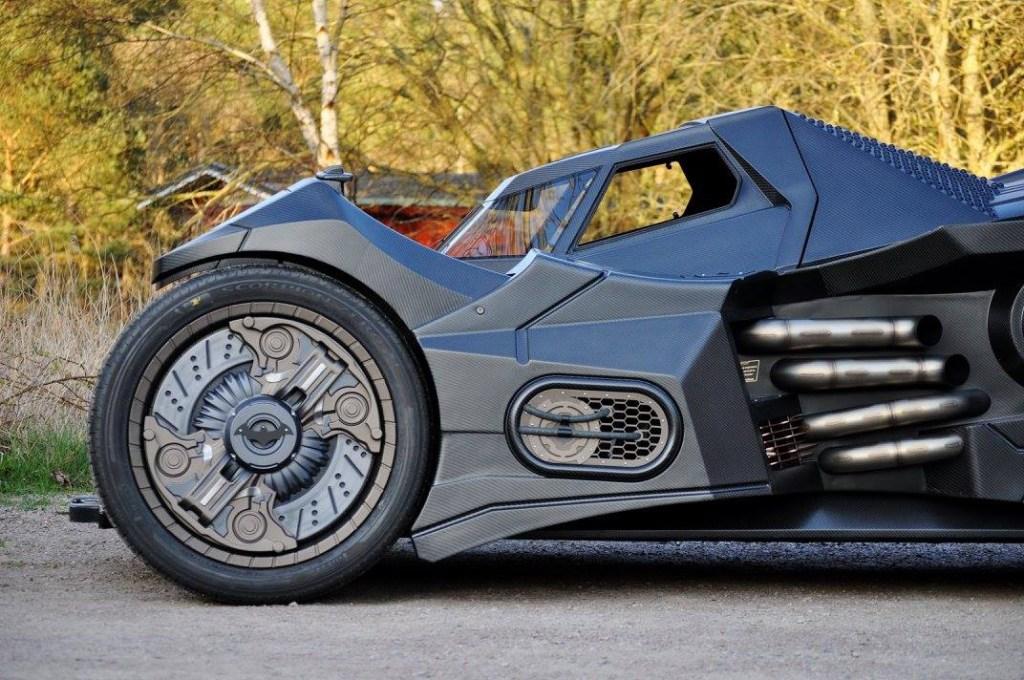 batmobile-lamborghini-hybrid-takes-over-gumball-3000-2