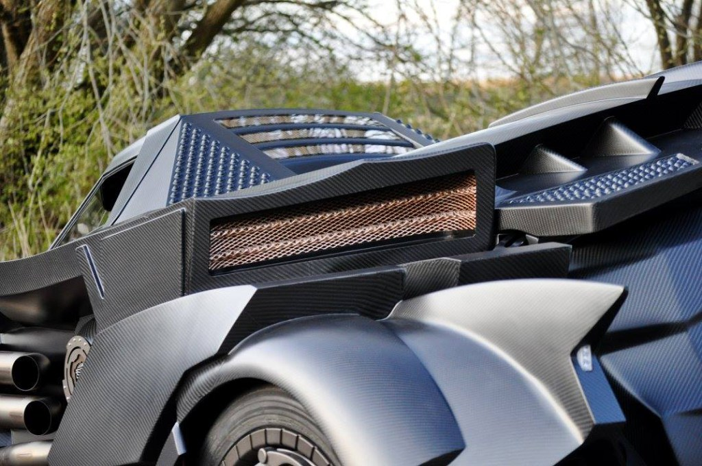 batmobile-lamborghini-hybrid-takes-over-gumball-3000-6