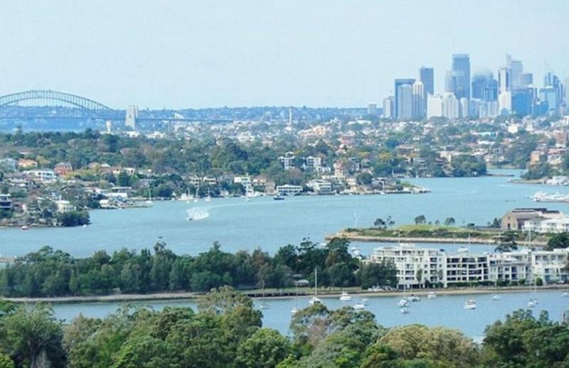 Pemandangan di hadapan Sydney Harbor.