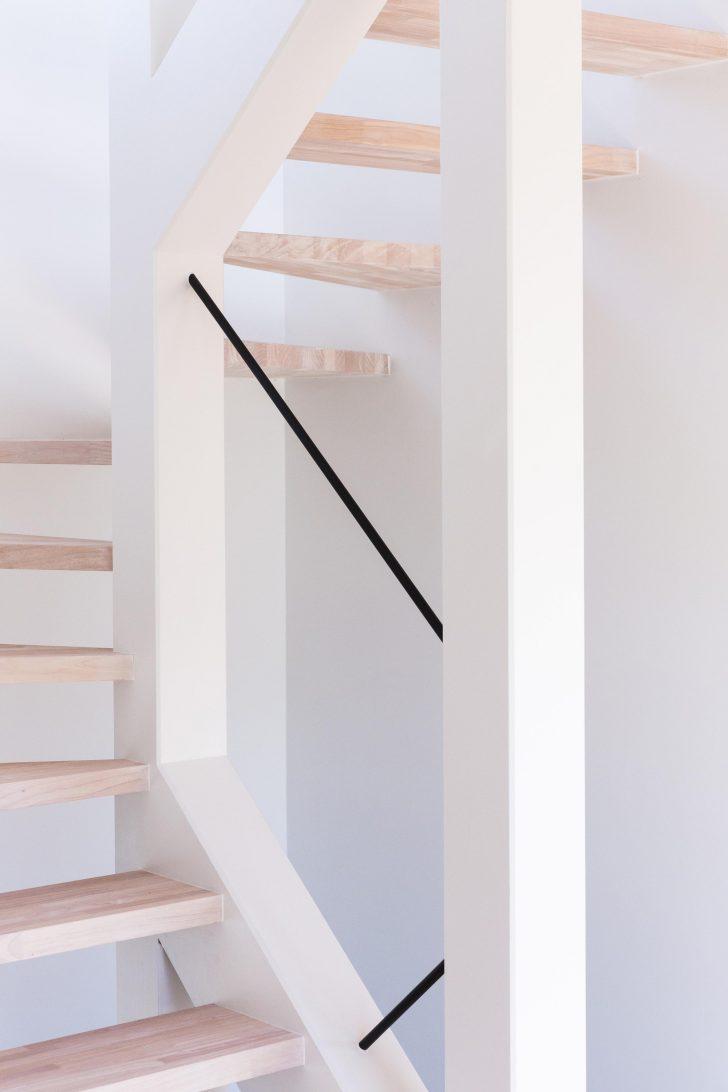 Pemegang tangga ini tidak sesuai jika ada anak kecil