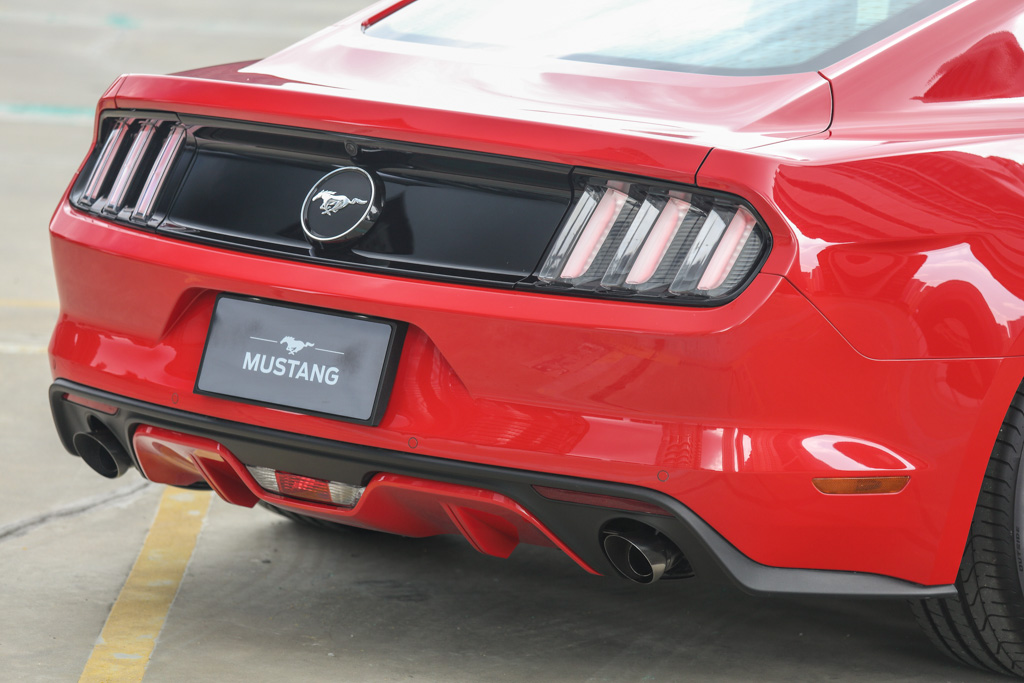 Ford-Mustang-2.3L-2