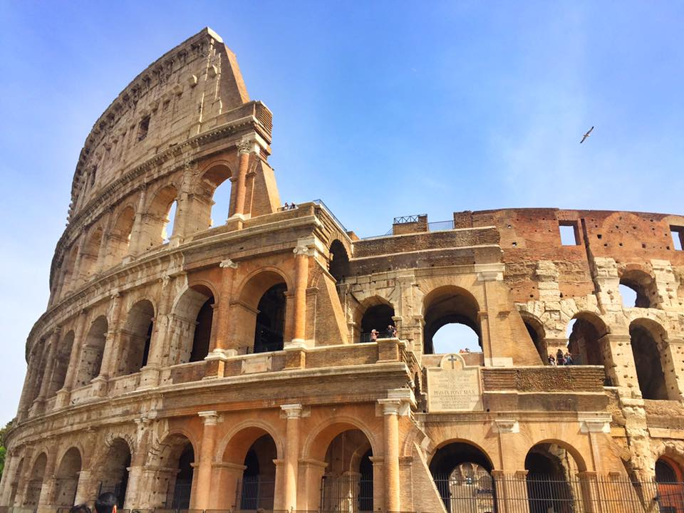 cara-ke-colosseum-rome-italy-25