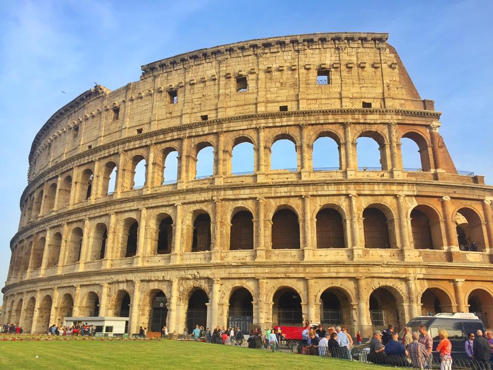 cara-ke-colosseum-rome-italy-3