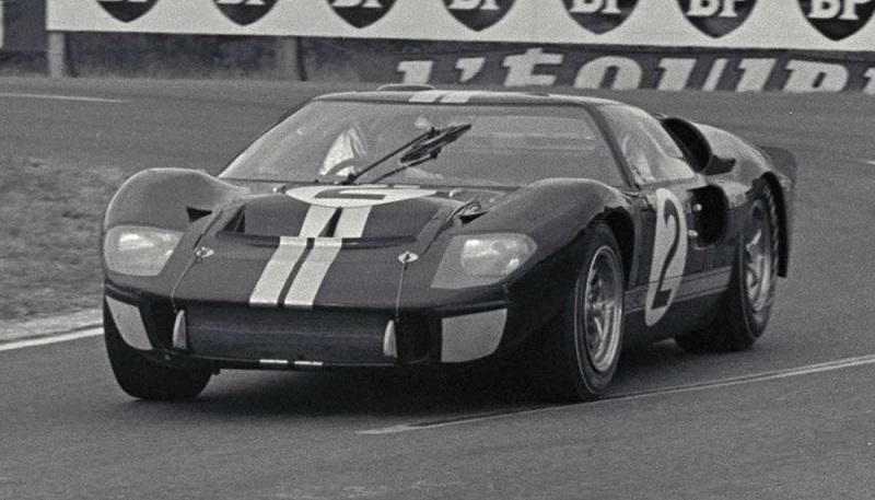 Model asal  Ford GT40 Mark II di 24 Hours of LeMans, LeMans, France, 1966.