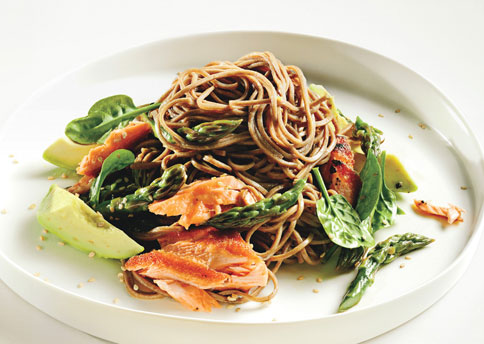 mare_soba_noodle_salad_with_salmon_and_asparagus