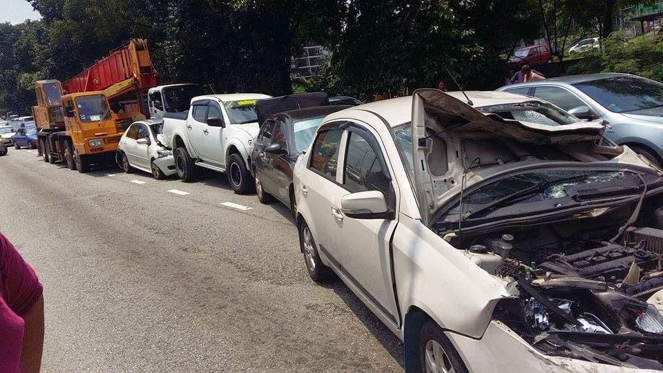 kereta-kemalangan-2