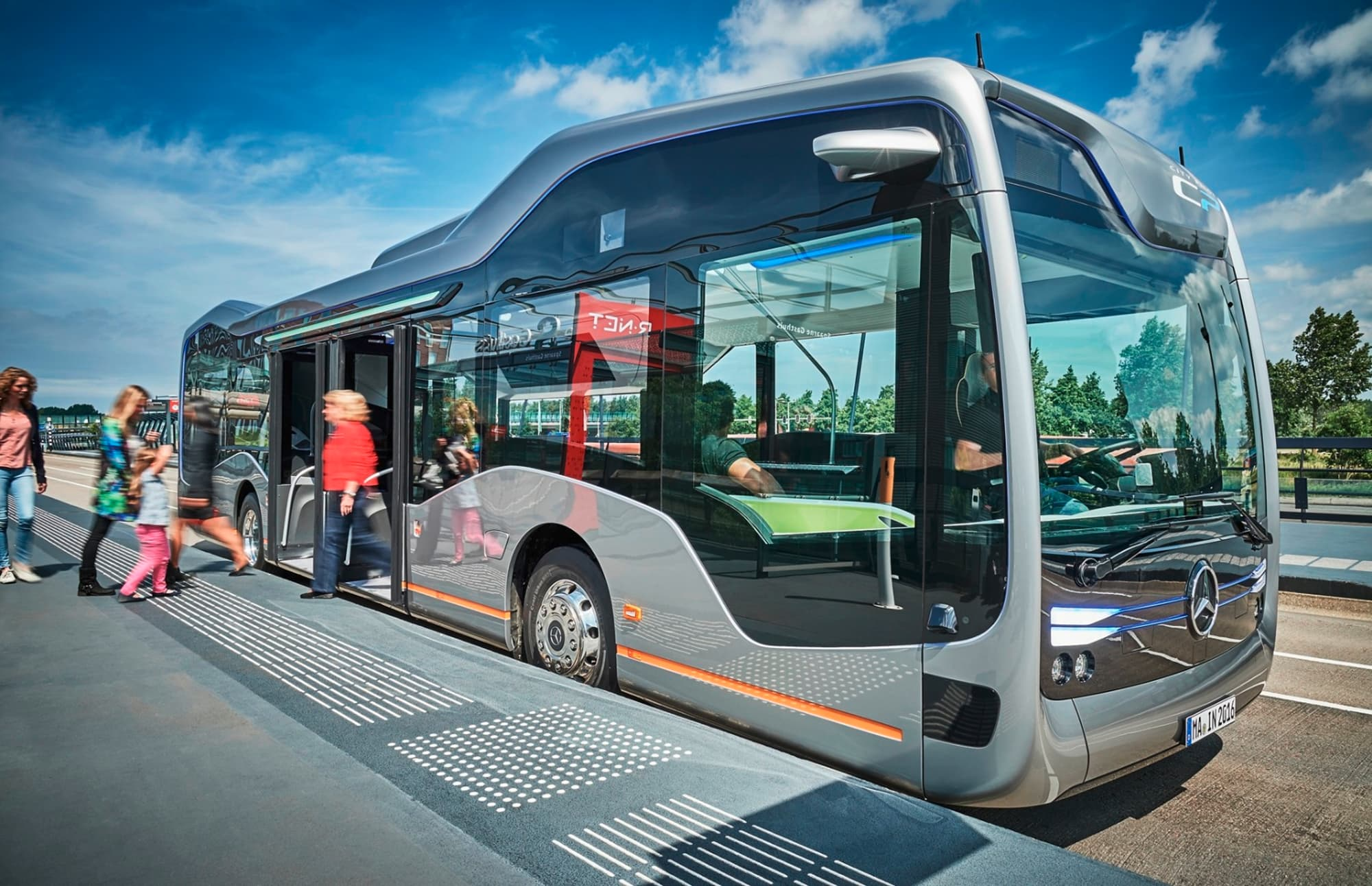 mercedes-benz-future-bus-with-citypilot-7