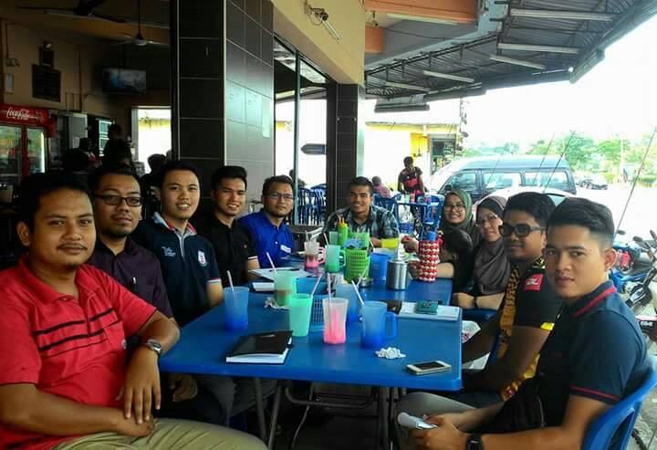 Harith Faisal dan rakan-rakan ketika sesi Borak Hartanah.