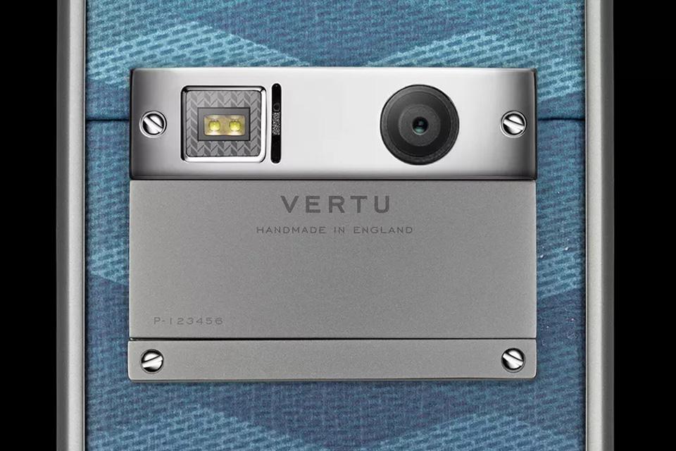 vertu-aster-chevron-9