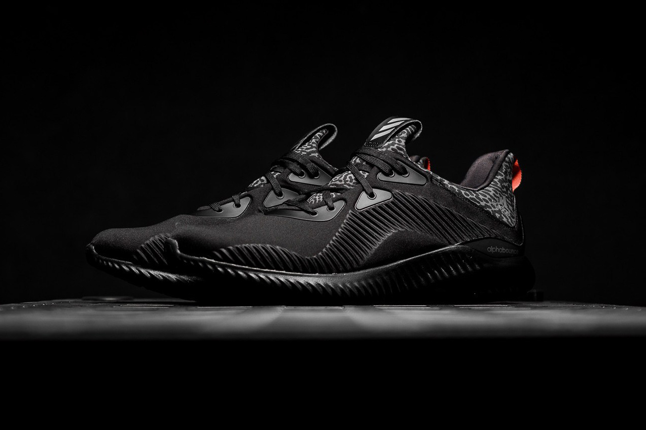 a-closer-look-alphabounce-core-black-2