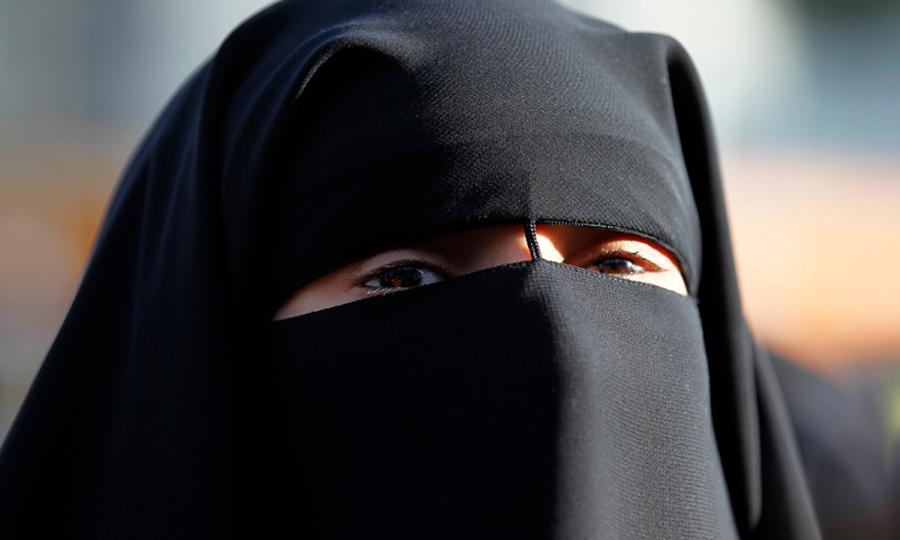 polis-uk-niqab
