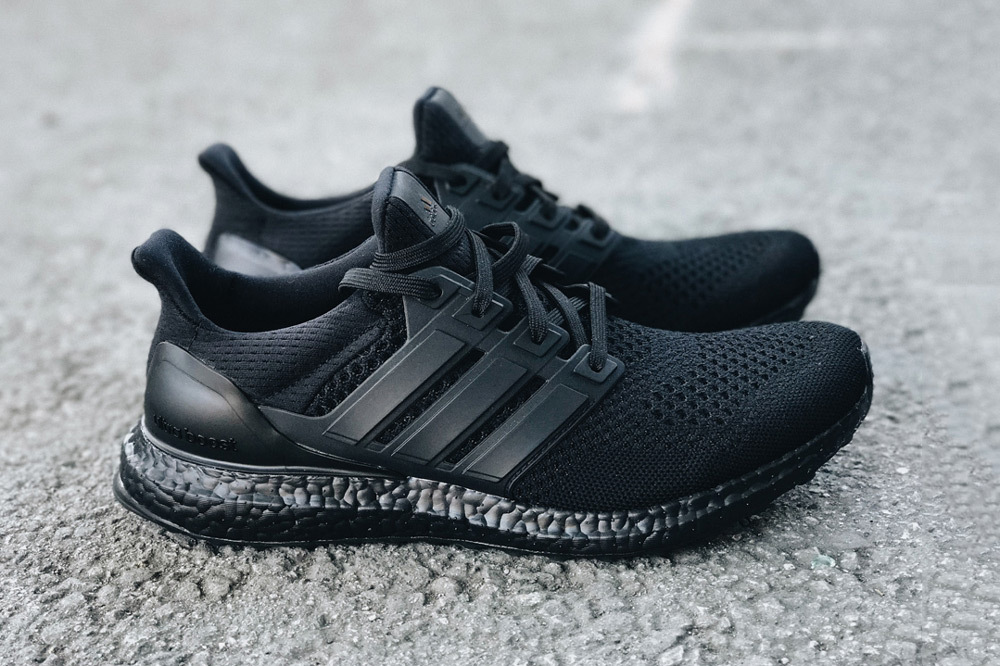 adidas-ultra-boost-triple-black-2-1