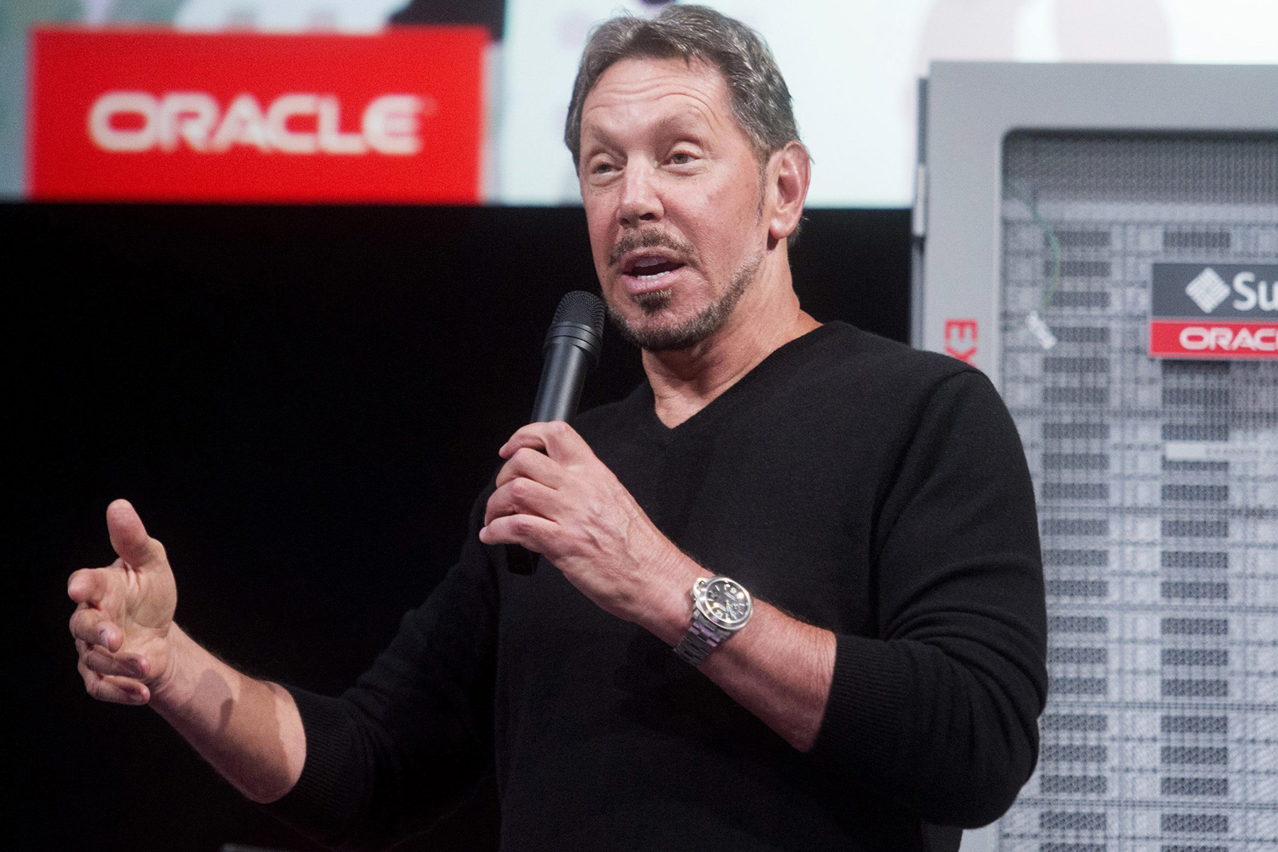 Oracle Corp Chief Executive Larry Ellison introduces the Oracle Database In-Memory during a launch event at the company's headquarters in Redwood Shores, California in this June 10, 2014 file photo. Oracle Corp said it would buy Micros Systems in a $5.3 billion deal as the world's No. 2 business software maker looks to boost flagging growth through acquisitions. REUTERS/Noah Berger/Files (UNITED STATES - Tags: SCIENCE TECHNOLOGY BUSINESS)