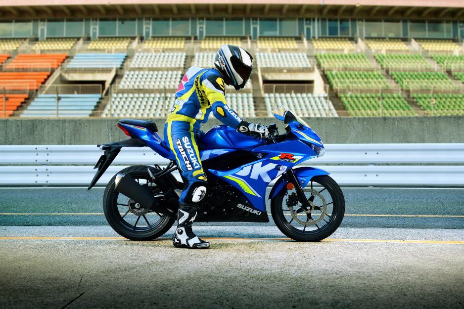 suzuki-gsx-r125-sport-bike-01