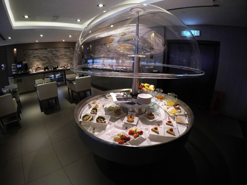 experience-with-emirates-business-class-22