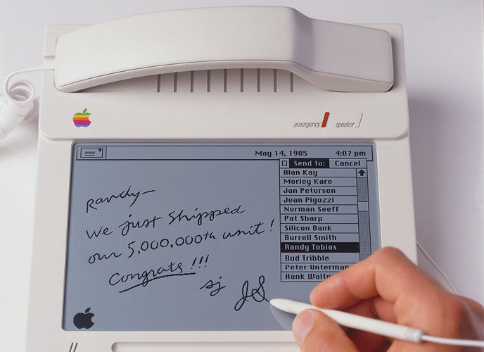 legendy-Apple-djonni-aiv-–-dizainer-s-mirovym-imenem-esslinger-protiv-aiva-13