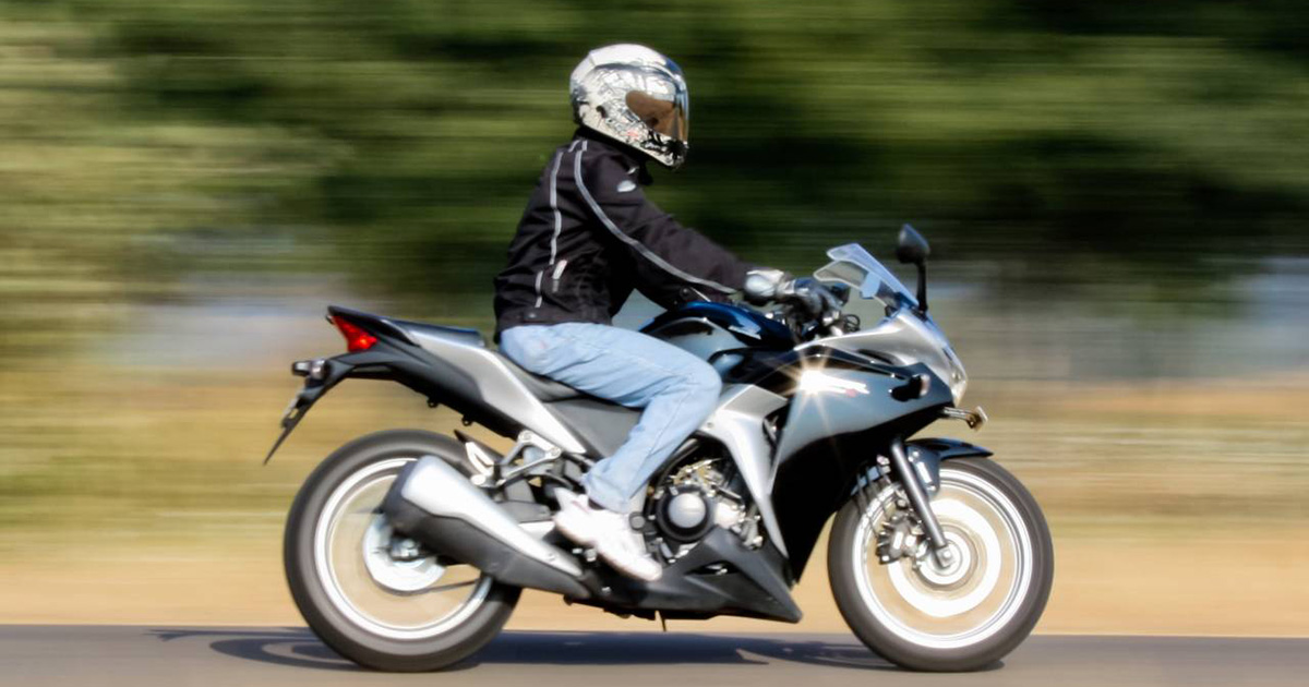 Honda_CBR250R_Ride1