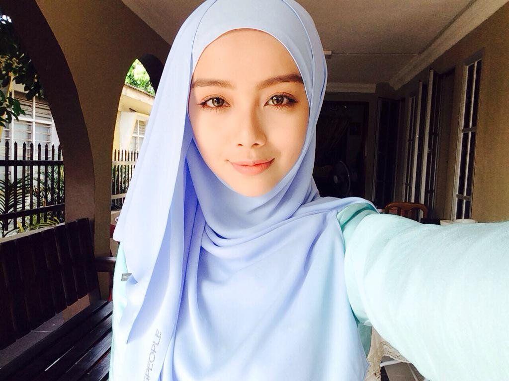 Mira-Filzah-Selfie