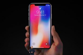http-hypebeast.comimage201709apple-stocks-fall-iphone-8-iphone-x-announcement-debut-01