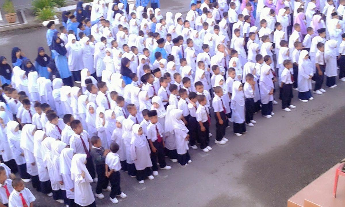 cara-ajar-murid-kelas-belakang-9