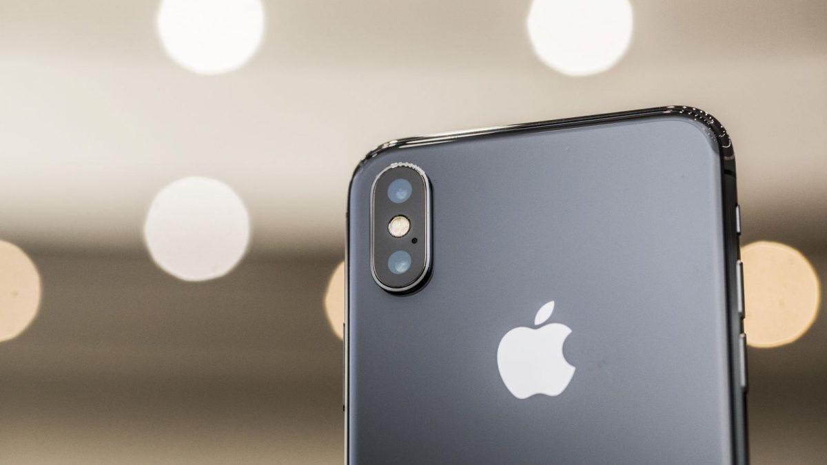 apple-091217-iphone-x-3986-1
