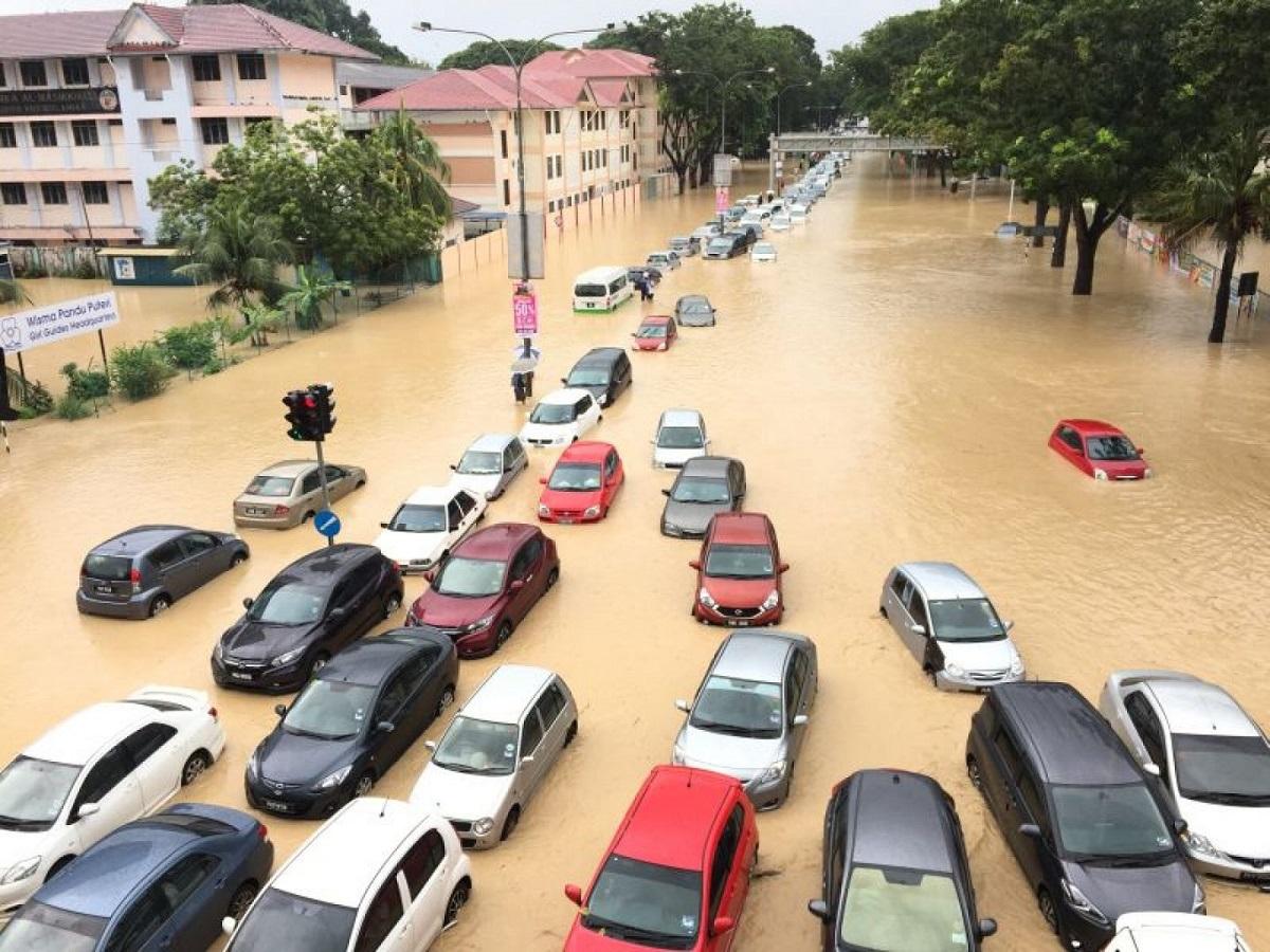 cara-selamatkan-enjin-kereta-dari-banjir-2
