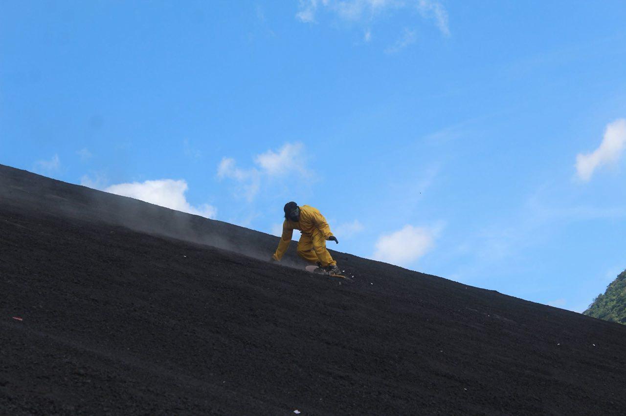 volcano-boarding-di-nicaragua-25