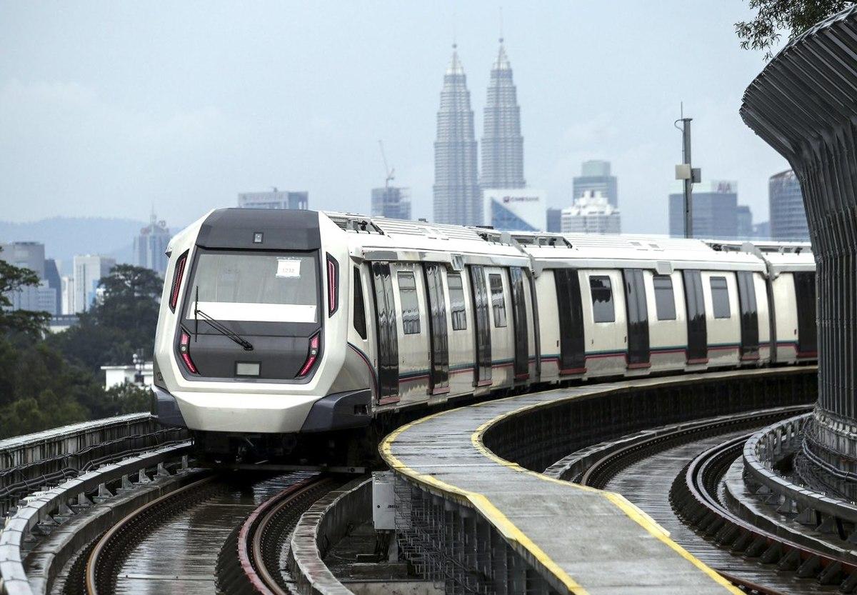 1200px-MRT_SBK_Semantan_station2