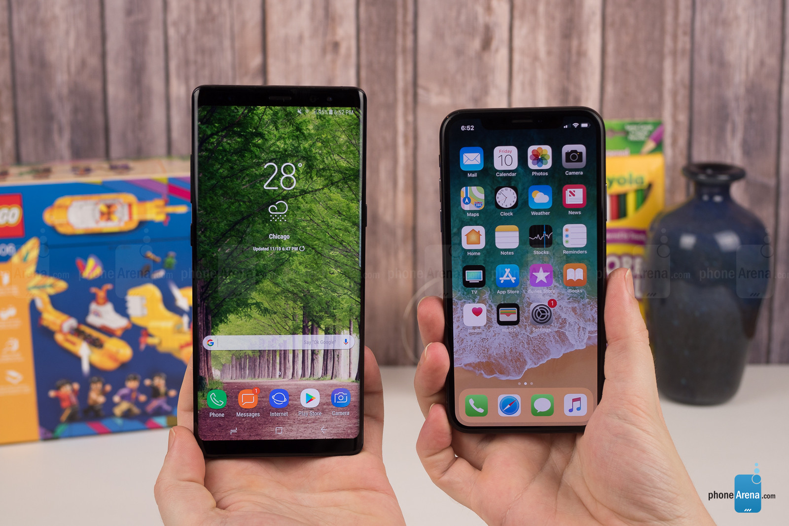 Apple-iPhone-X-vs-Samsung-Galaxy-Note-8-001