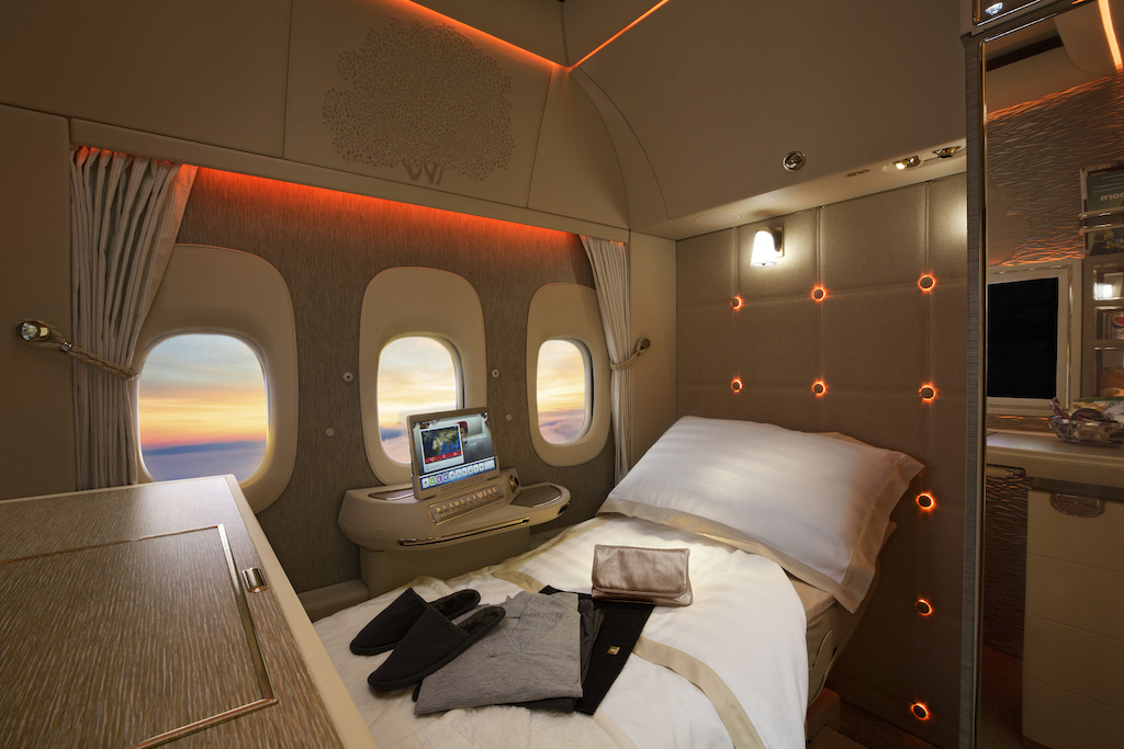 First-Class-fully-flat-bed