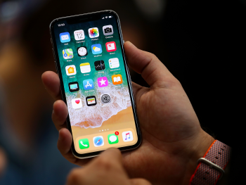 the-iphone-x-has-an-oled-screen–heres-what-oled-is-and-how-its-different-from-past-iphones
