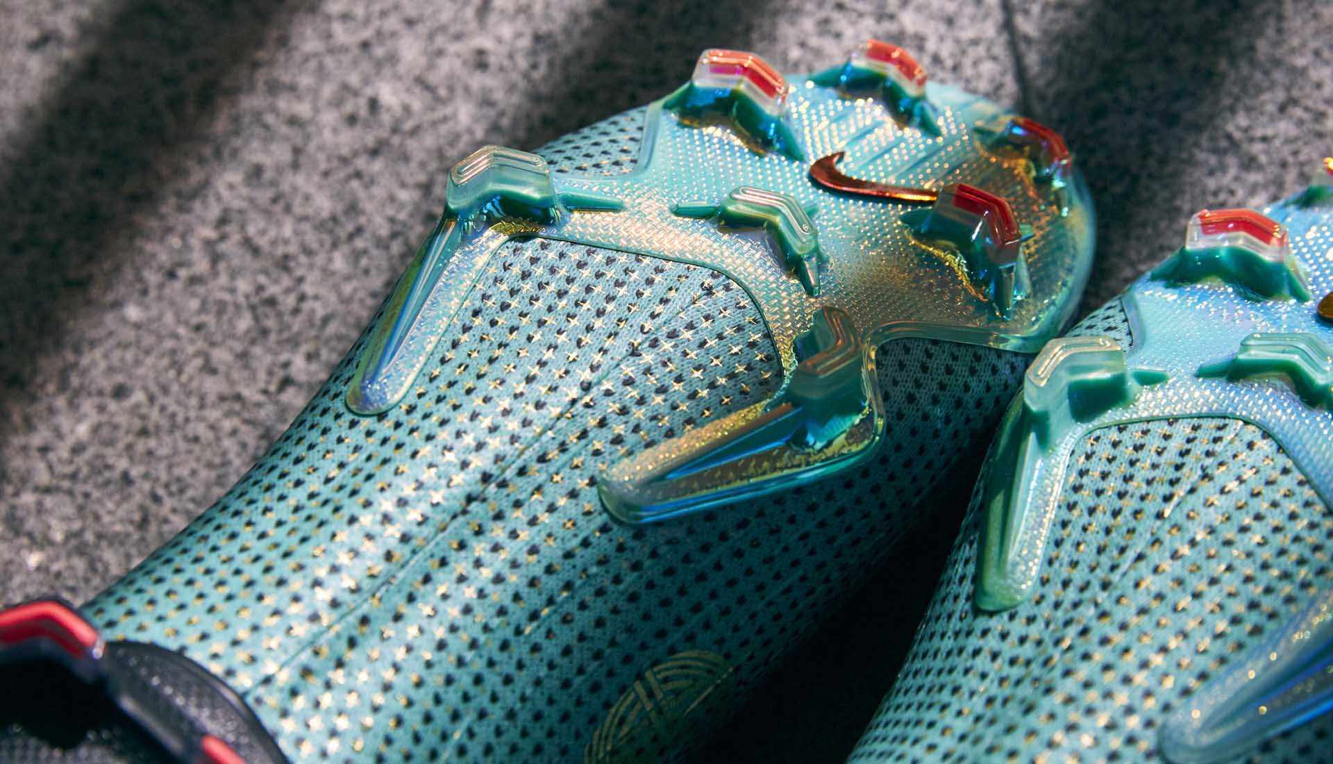 2-1cr7-chapter-6-nike-mercurial