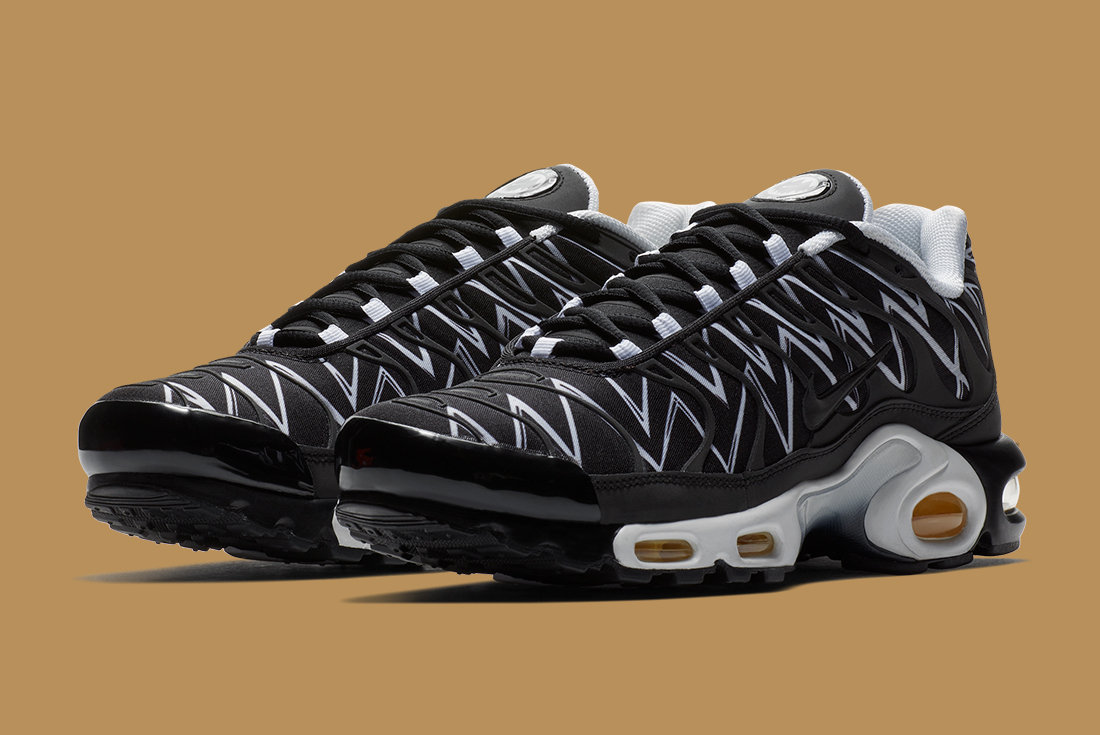 NIKE-AIR-MAX-PLUS-BEFORE-THE-BITE-1