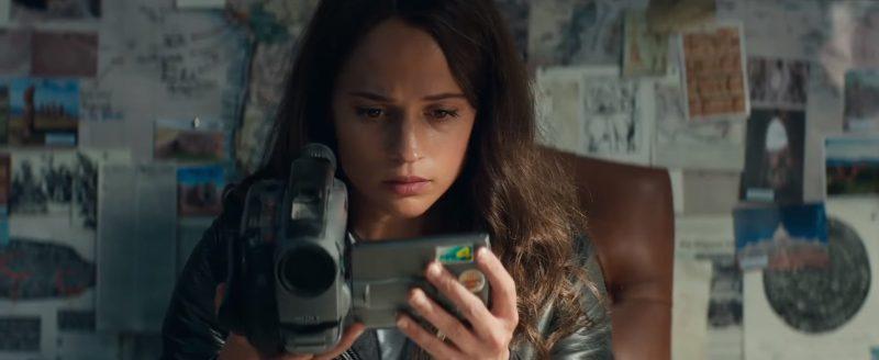 Sony-Video-Camera-Used-by-Alicia-Vikander-Lara-Croft-in-Tomb-Raider-1-800×328