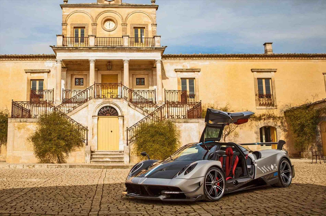 pagani-electric-car-2025-1