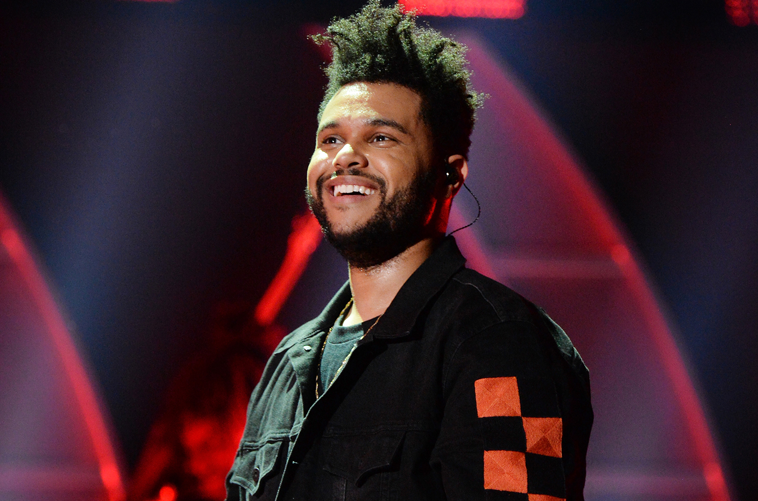 the-weeknd-smile-live-2017-a-billboard-1548