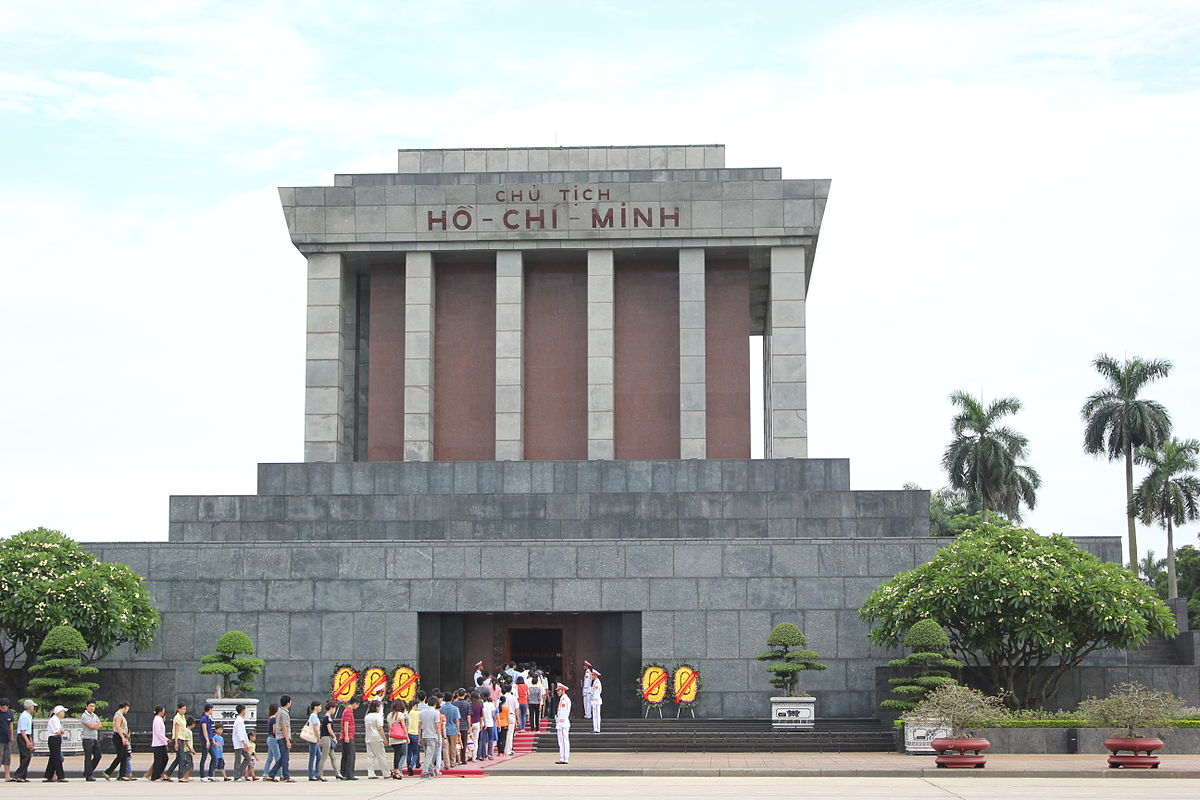 Ho_Chi_Minh_Mausoleum_from_the_front