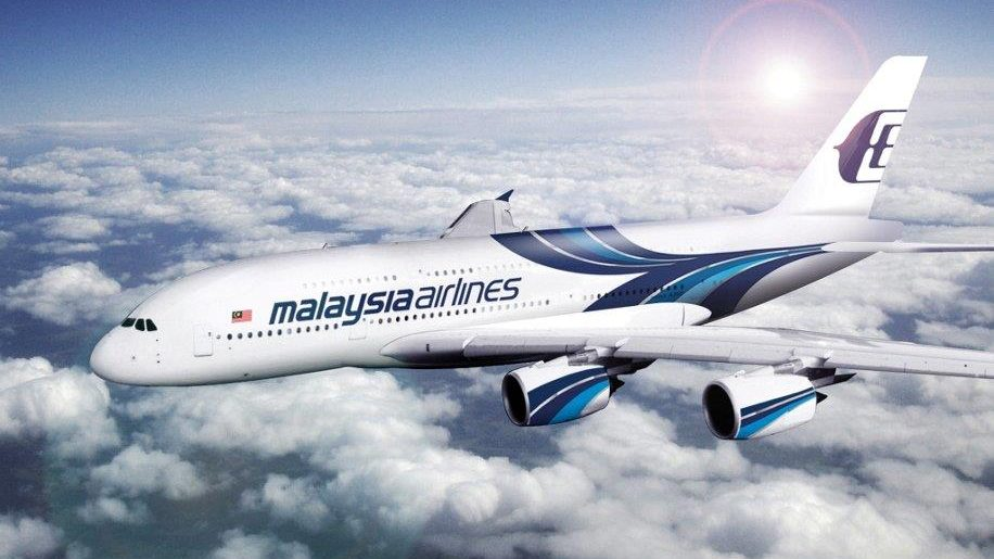 Malaysia_Airlines_A380_flying_right_to_left2048x1538-916×688-e1490358812995 (1)