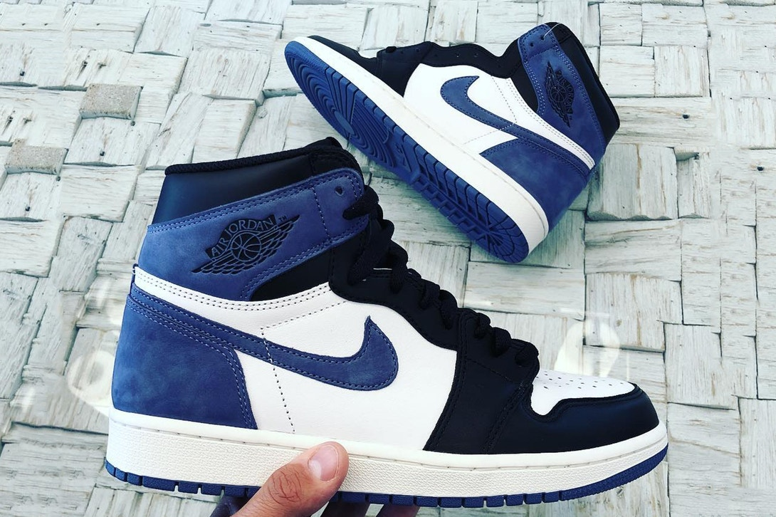 air-jordan-1-high-og-blue-moon-release-1