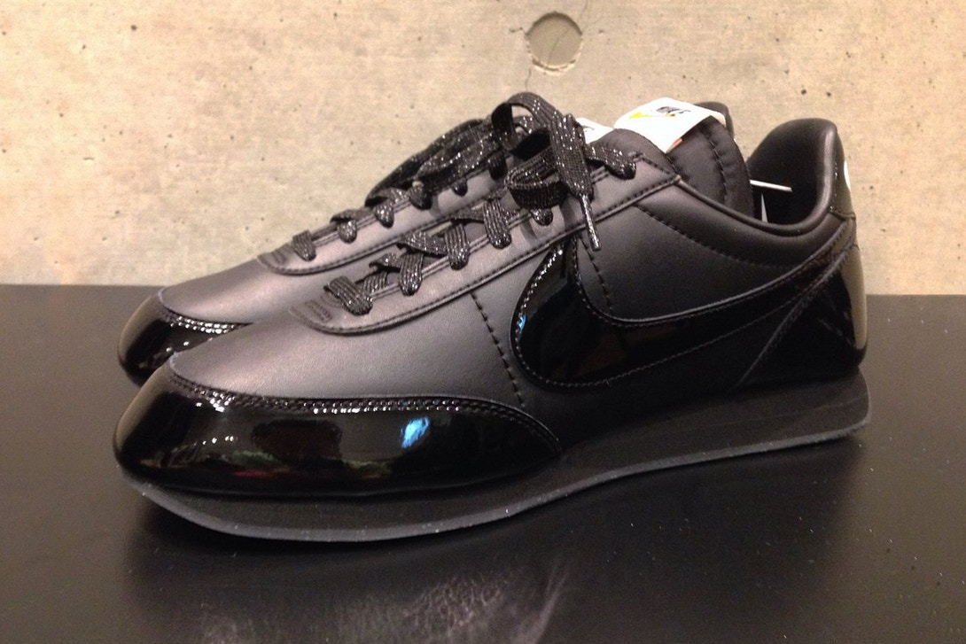 comme-des-garcons-black-nike-night-track-collab-0-1