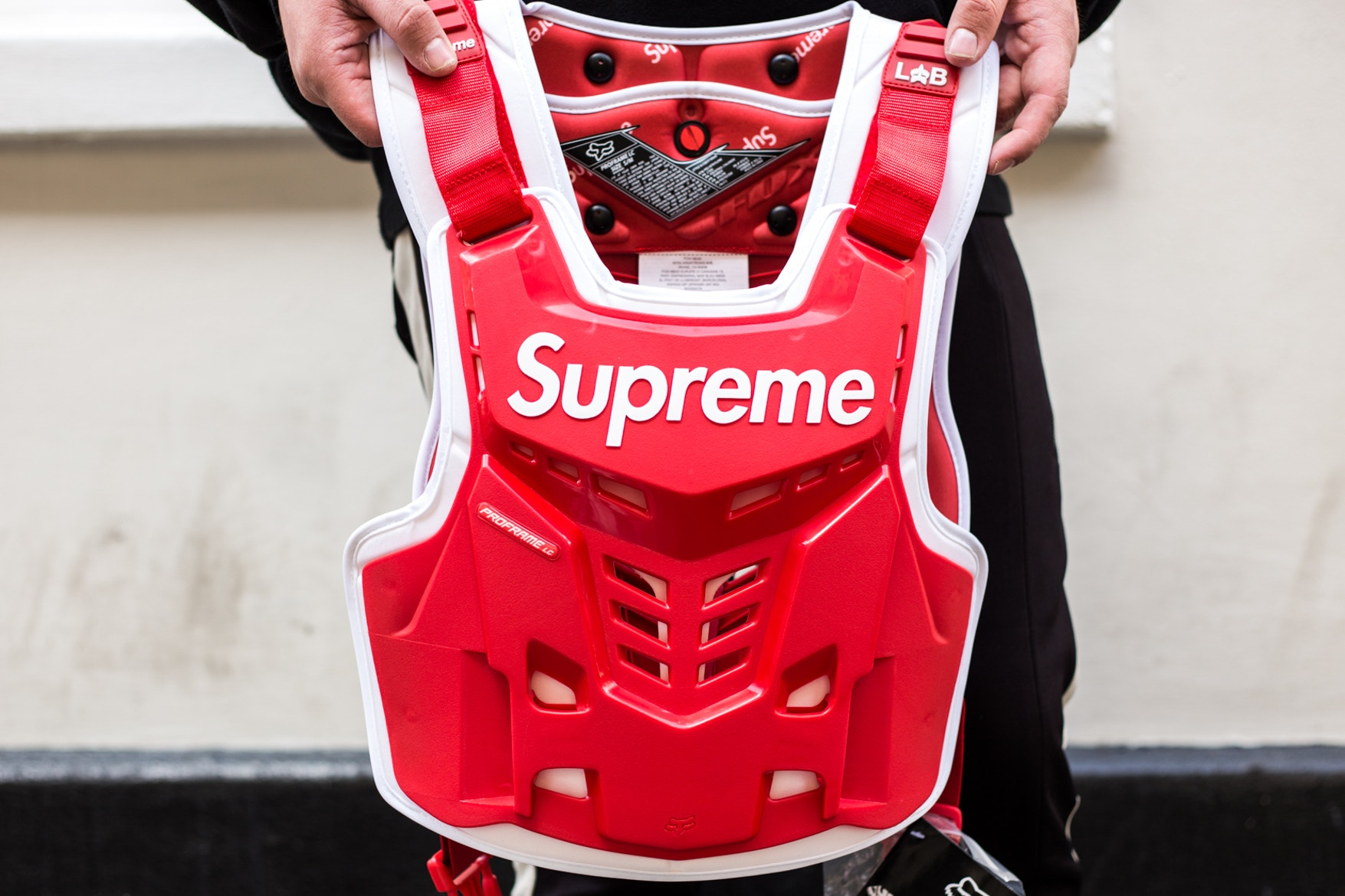 supreme-fox-racing-street-style-spring-summer-2018-11